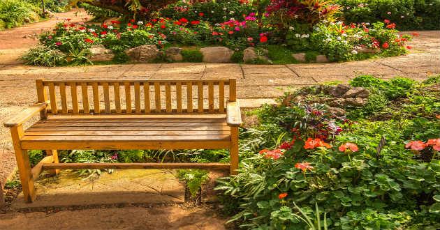 Decoraci n de jardines peque os revista lamudi for Muebles para jardin pequeno