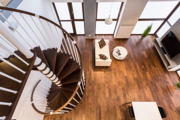 Tipos de escaleras para el hogar revista lamudi - Escaleras de madera rusticas ...